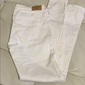 A&F size 2s white skinny jeans